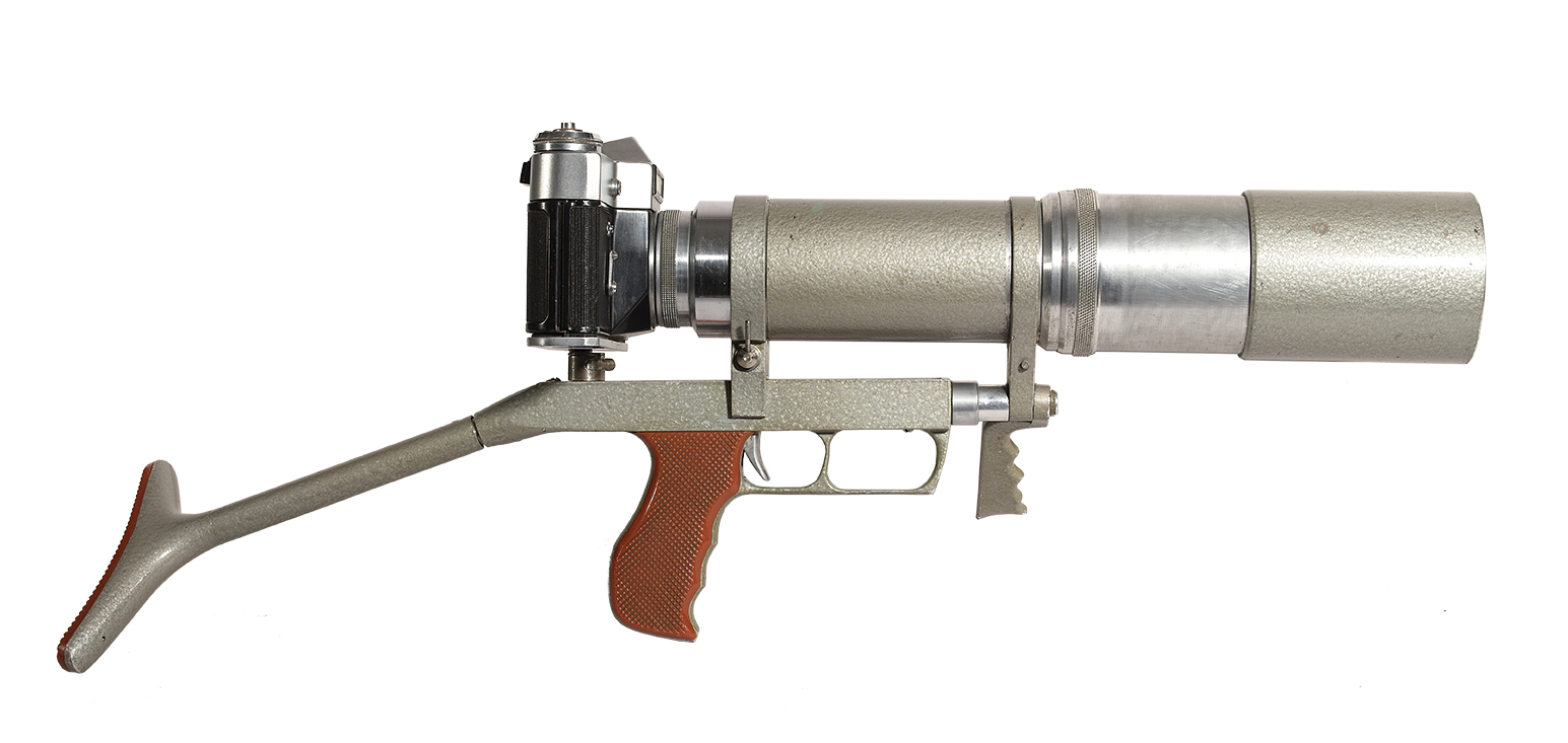 Exemplaire unique d'un prototype (non-numéroté) du « Photo-Sniper » FS-3 (ou « Foto-Snaiper » FS-3) fabriqué par la KMZ (URSS), vers 1964-1965.